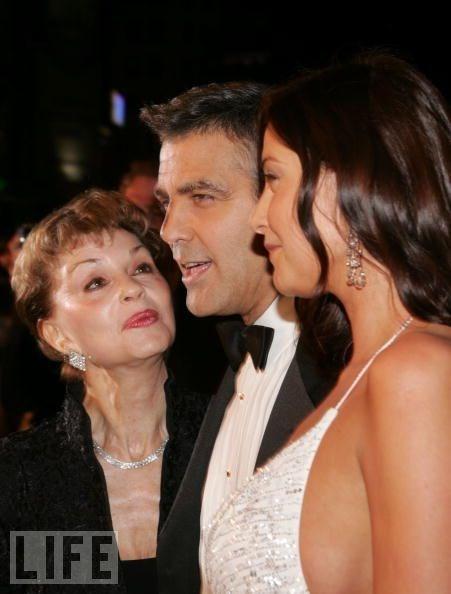 George Clooney ve Nina Warren