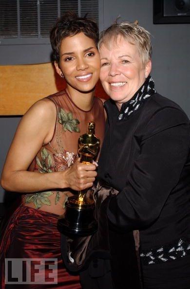 Halle Berry annesi Judith ile