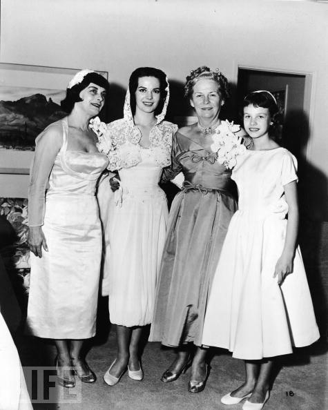 Natalie Wood'un annesi Maria Zacharenko, Natalie Wood, Robert Wagner'ın annesi ve Wood'ın kardeşi Lana Wood