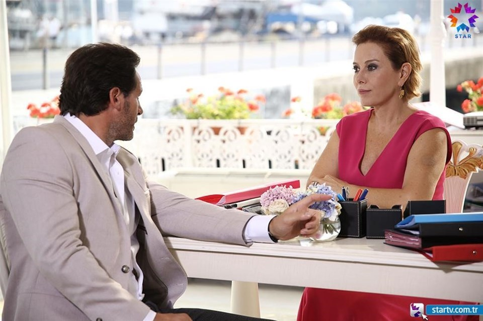 Levent ile Buzlar Kraliçesi Süreyya Koran proje için görüşmelere başladı.