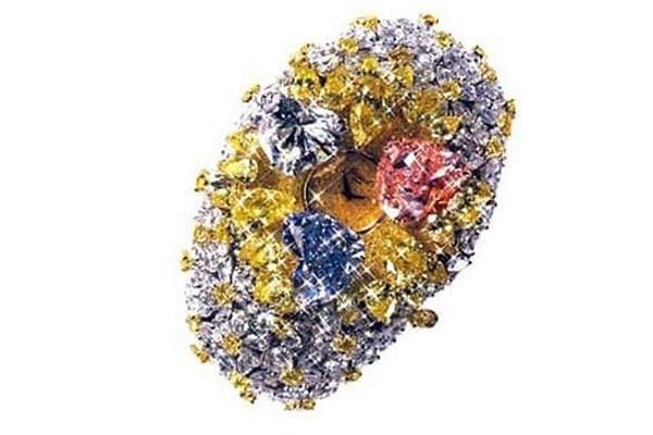 201 karat elmaslı Chopard saat