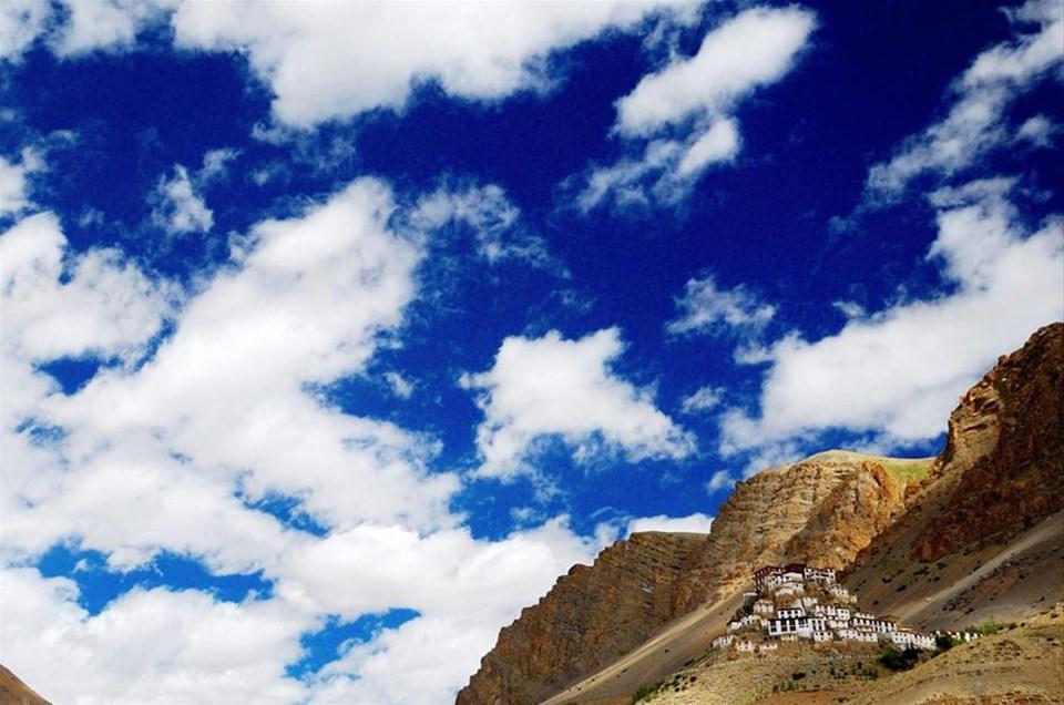 Zirvedeki manastırlar