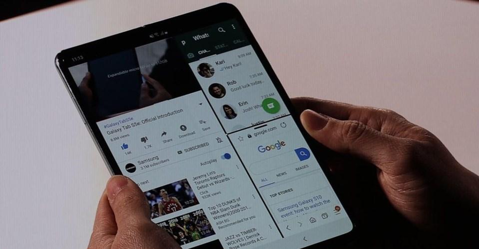 Galaxy F,4.58 inç boyuta sahip ancak açıldığında 7.3 inç boyutunda bir tablete dönüşüyor. Aynı anda üç ekranın kullanabildiği cihaz ileYouTube, WhatsApp, ve Google'ı aynı anda kullanabiliyorsunuz.