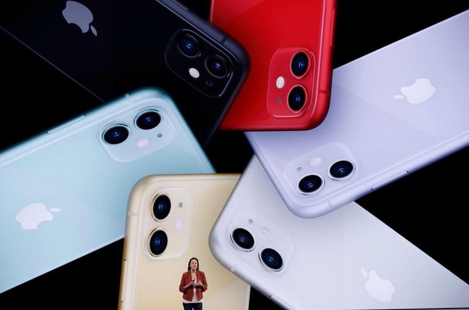 iPhone XR'de tek arka kameraya yer veren Apple iPhone 11'de bu sayıyı 2'ye çıkardı. iPhone 11 Pro ve iPhone 11 Pro Max'in kameraları ise geçen sene tanıtılan muadillerinin aksine 2 değil 3.