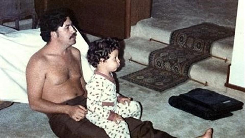Escobar, uyuşturucudan elde ettiği kazançla 1989'da Forbes dergisinde dünyanın en zengin yedinci adamı ilan edilmişti.