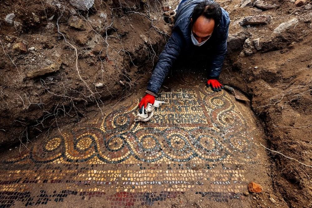 İzmir'de kaçak kazı sırasında manastır ve 1500 yıllık mozaik bulundu - 6