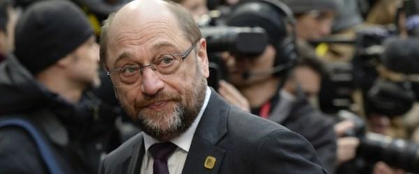 Almanya'da SPD'de koalisyon konusunda ilk çatlak