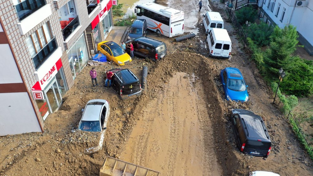 Rize'de sel ve heyelan afetinin hasarı gün ağarınca ortaya çıktı - 29