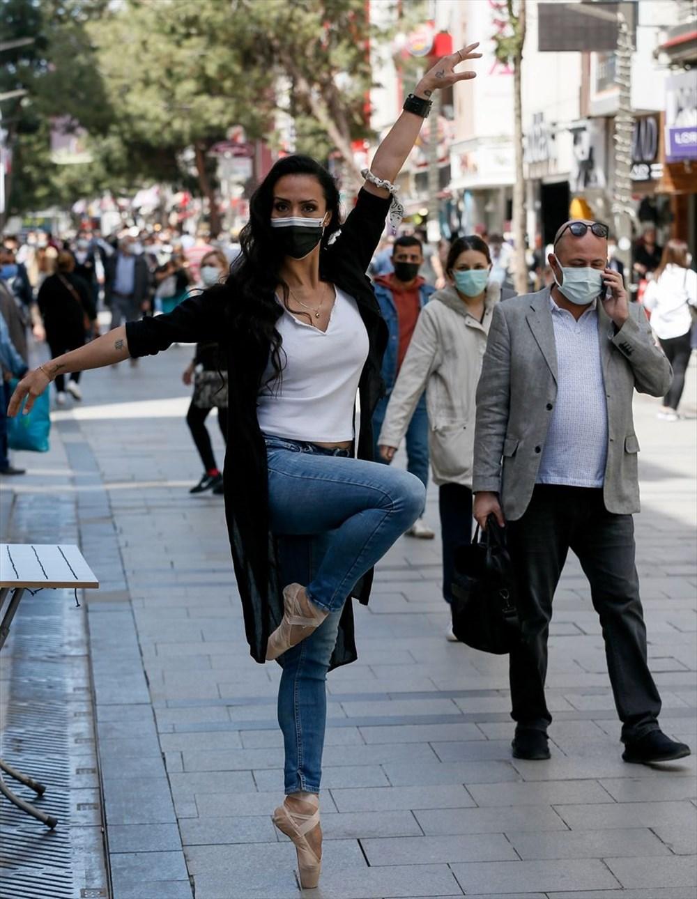 İzmir'de dansçılar meydanları sahneye dönüştürdü - 12