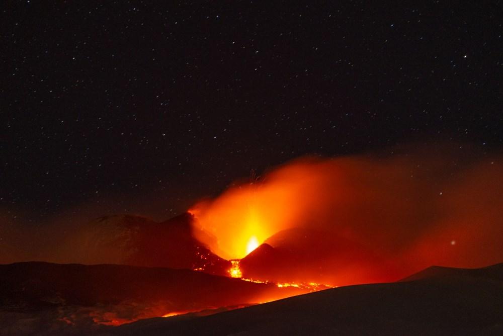 Etna Yanardağı yeniden faaliyete geçti - 5