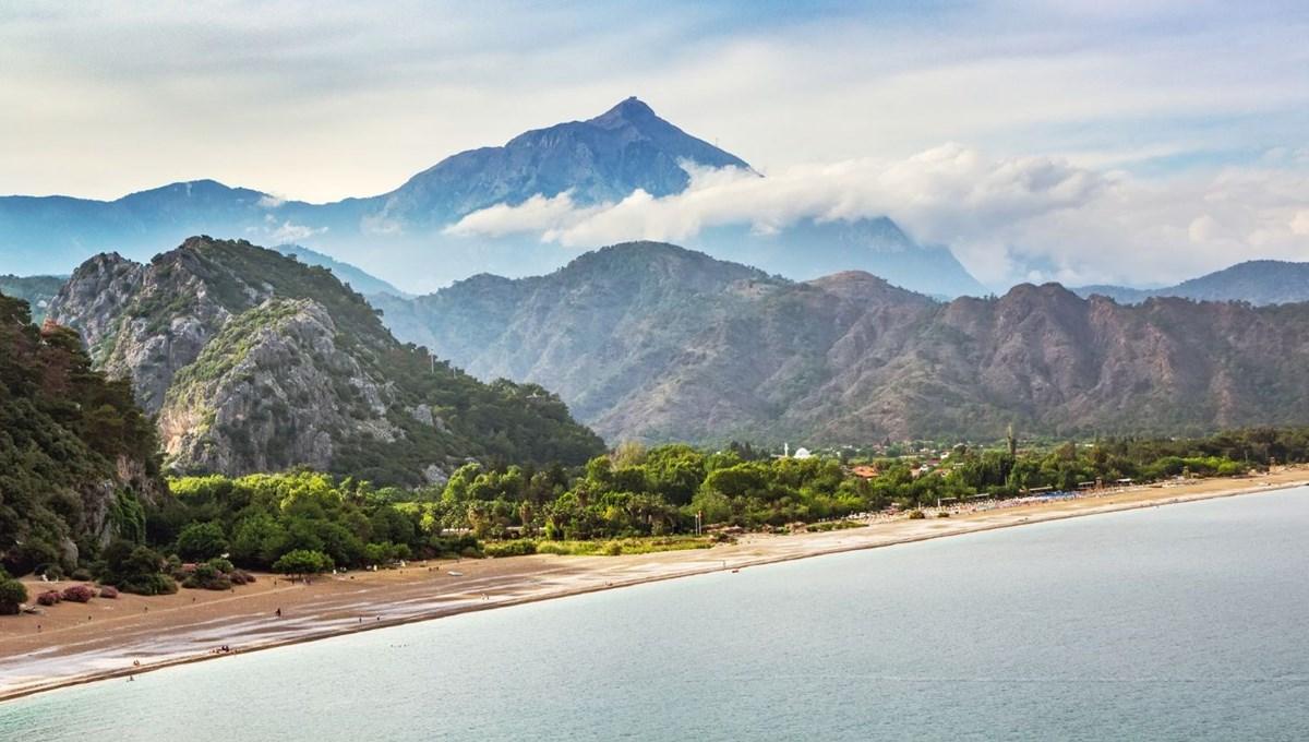 Antalya'nın dünyaca ünlü tatil cenneti Çıralı'ya ziyaretçi akını