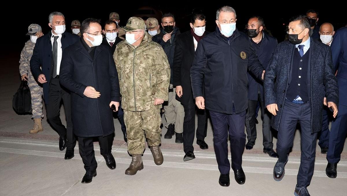 Milli Savunma Bakanı Hulusi Akar'dan açıklama (Askeri helikopter düştü: 11 şehit)