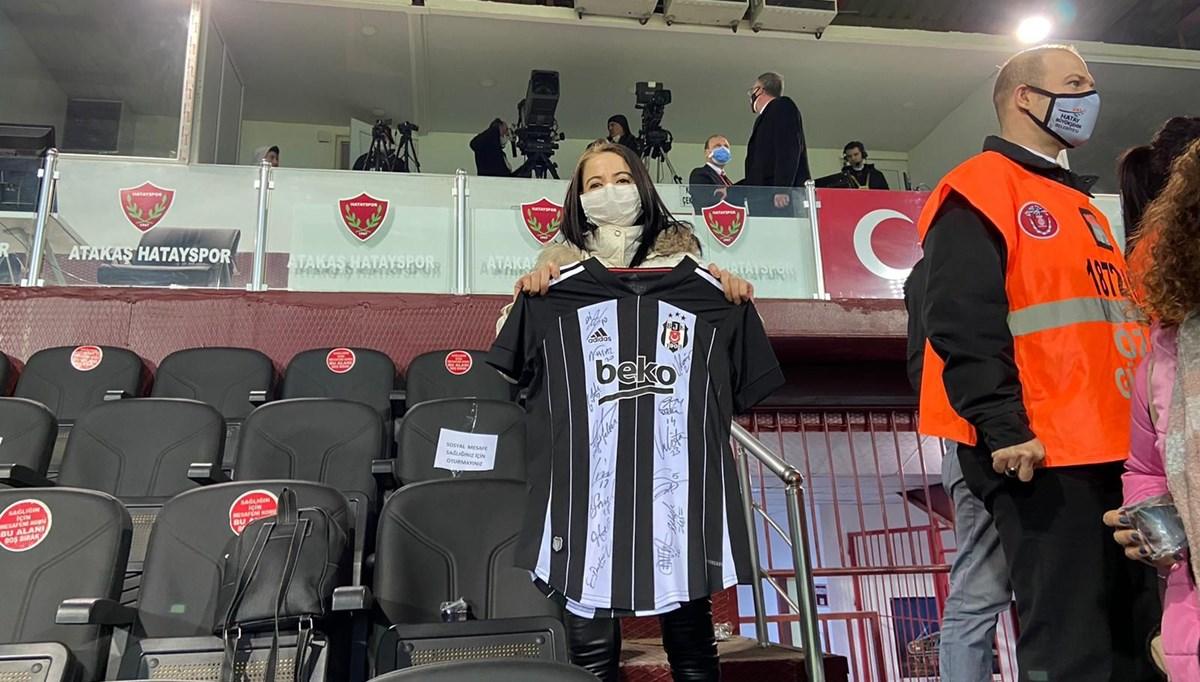 Kanserle savaşan kadının Beşiktaş maçını izleme hayali gerçek oldu