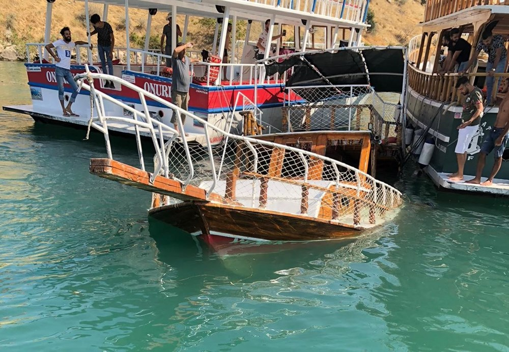 Şanlıurfa Halfeti'de tur teknesi battı - 4