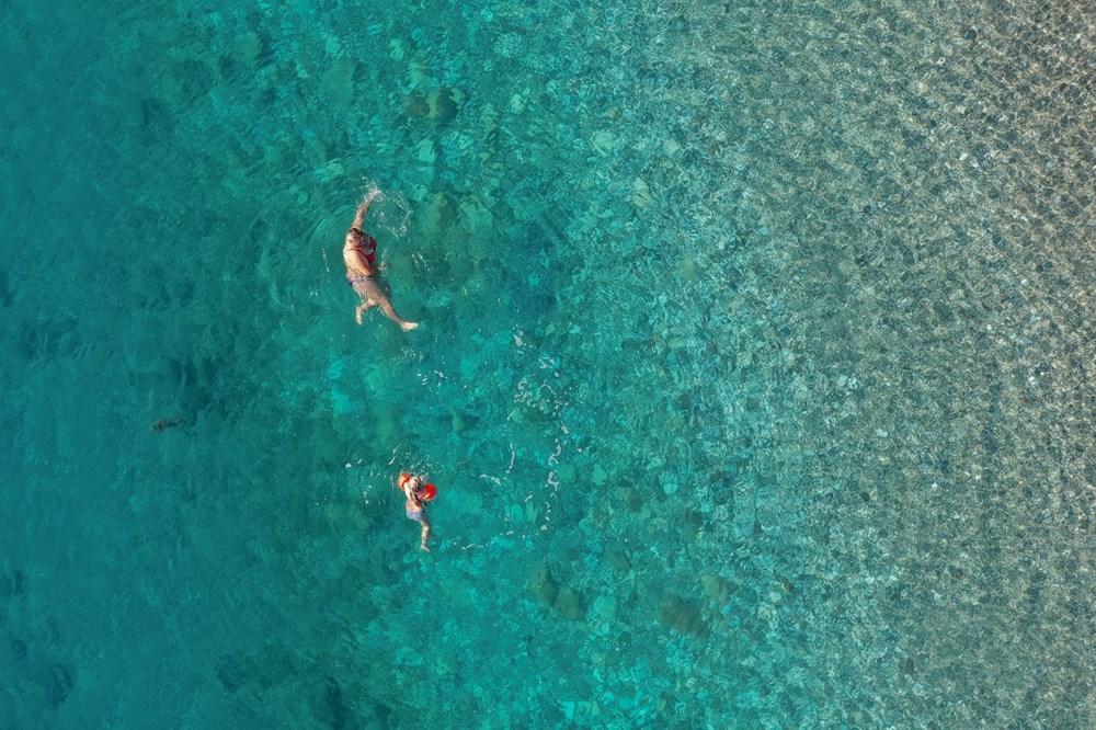 Antalya'da sahiller turistlere kaldı - 9