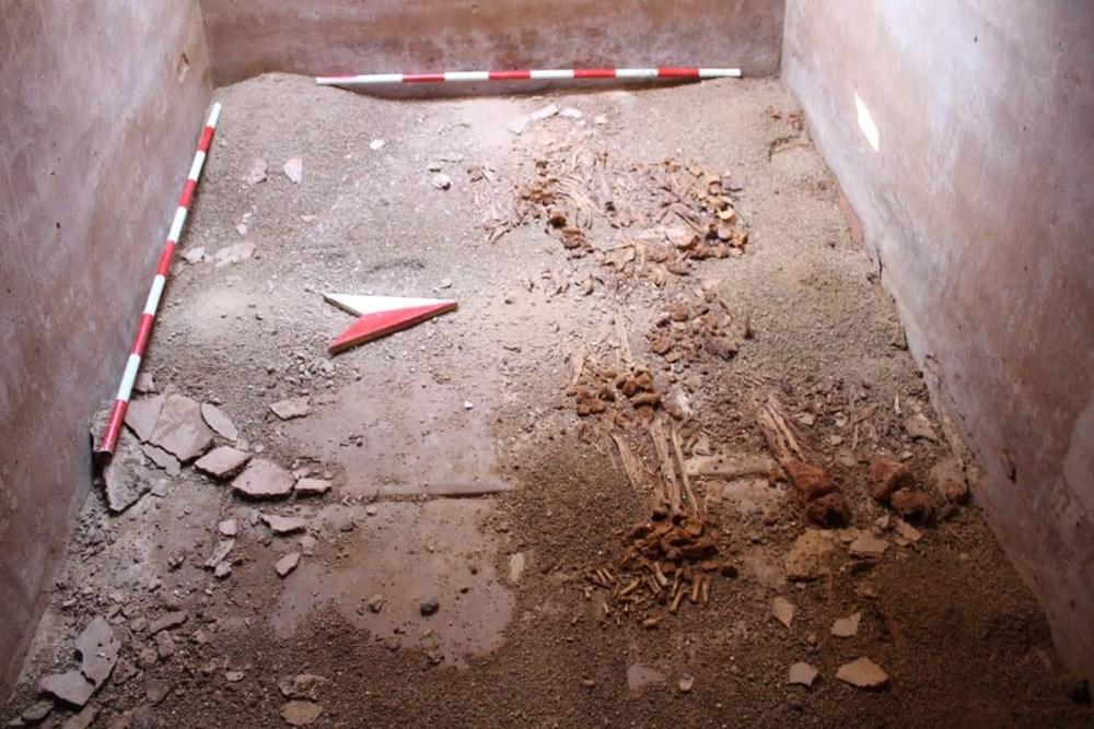 İznik'teki lahit mezarlarında 1500 yıllık mesaj bulundu - 2