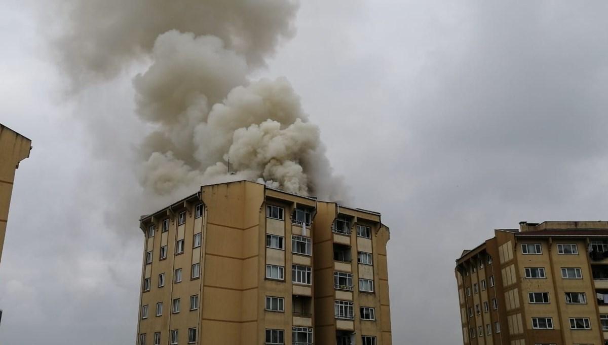 Başakşehir'de çatı yangını