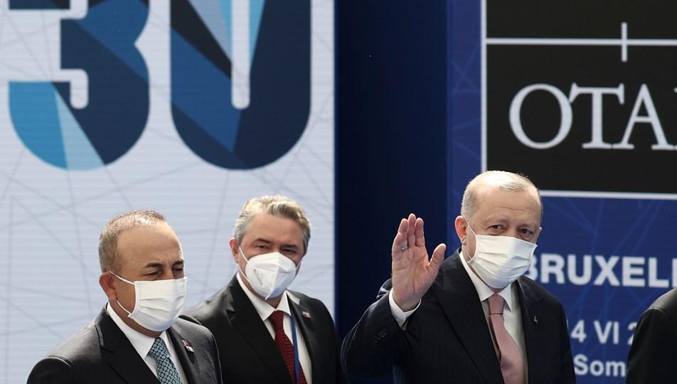 Cumhurbaşkanı Erdoğan Brüksel'de: Macron ile görüşme başladı