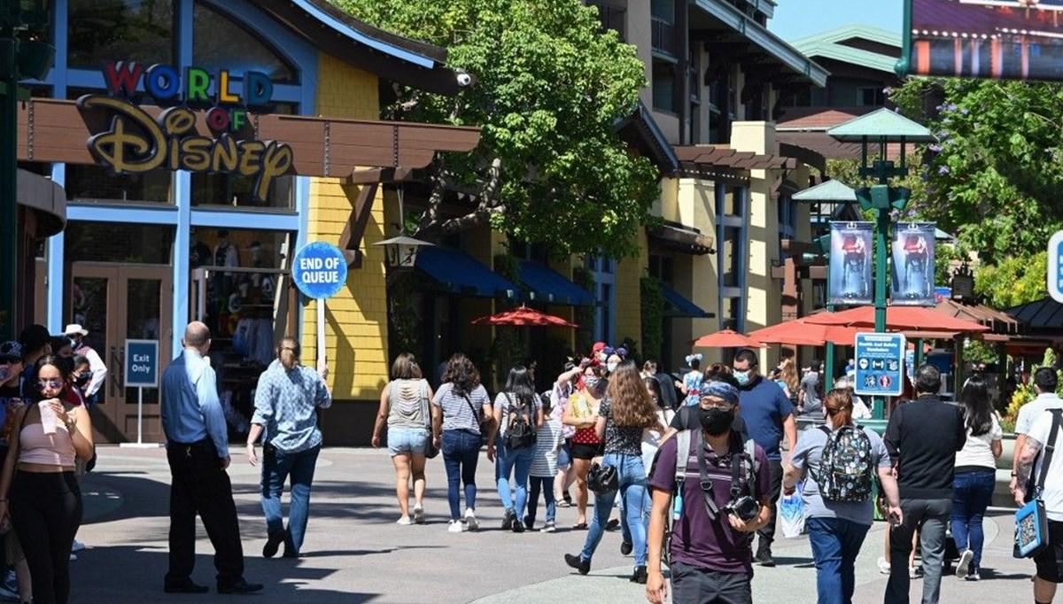 Disney iki tema parkını yeniden açıyor: Bağırmak ve şarkı söylemek yasak