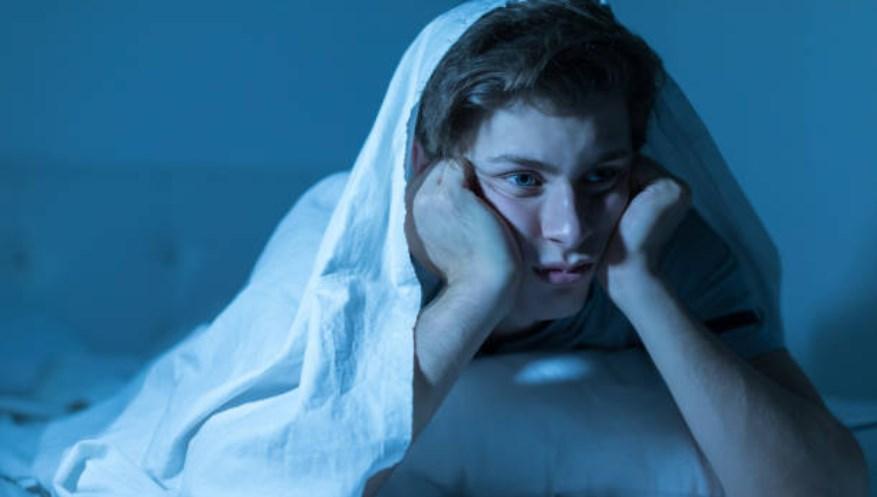 Uykudan korkma hastalığı (hipnofobi) nedir? Hipnofobi kimlerde görülür?