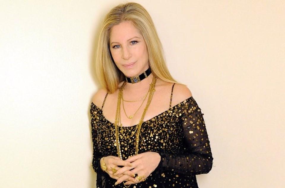 Eski oyuncu ve Grammy ödüllü şarkıcıBarbra Streisand.