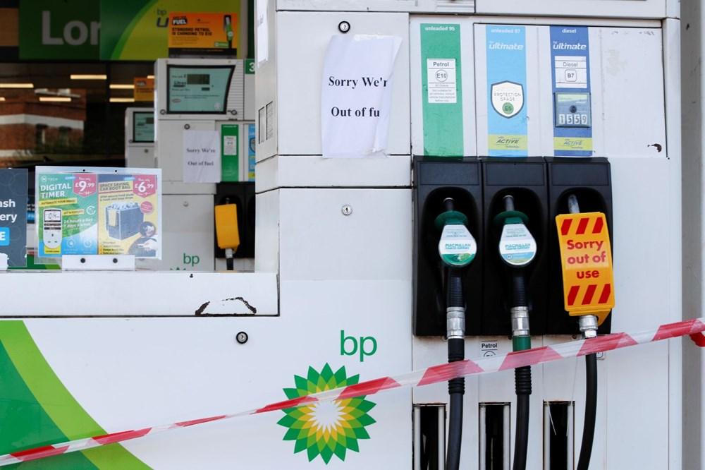 İngiltere'de yakıt krizi giderek büyüyor - 8