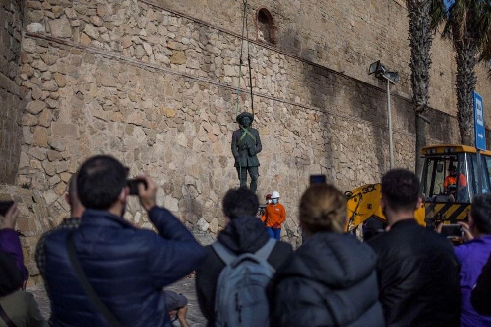 İspanya'da Francisco Franco'nun son heykeli de kaldırıldı - 3