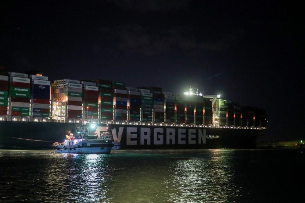 Süveyş Kanalı 6. günde kısmen açıldı: Ever Given gemisi yüzdürüldü - 4